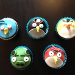 angry birdc cupcakes
